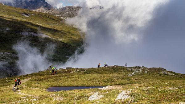 Hopp, Schwiiz! Biken in Graubünden