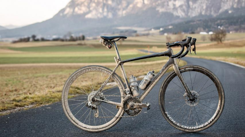 "Gravelbike ""Light"": Cannondale Synapse Hi-Mod Disc Red eTap"