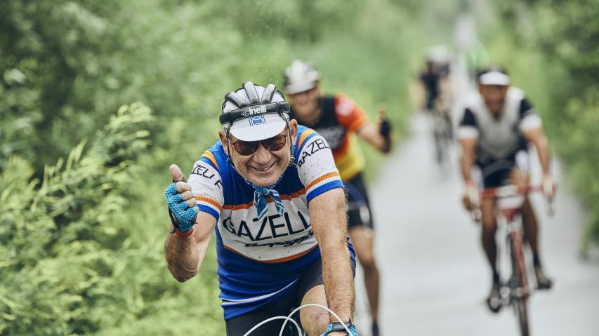 Bildbericht In Velo Veritas 2019Von Körbchengrößen, Sommergewittern und Eisenschweinen. Oder: Warum eine klassische Radrundfahrt im Weinviertel längst nicht nur die Retro-Fans fasziniert.