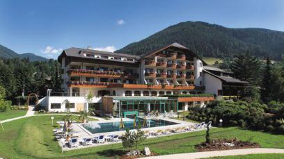 HOTEL KOLMHOF Dorfstraße 26, 9546 Bad Kleinkirchheim