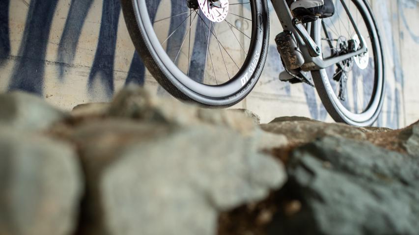 Schwalbe Aerothan Tubes vs. TubelessAerothan is the new Tubeless. Praxistest der vielversprechenden Fahrradschlauch-Technologie inklusive aller Vor- und Nachteile gegenüber Tubeless-Systemen.