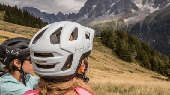 Bollé Adapt MIPS & Volt+Frische Helm-Designs im mittleren Preissegment sowie eine komplett neue Gläsertechnologie von Bollé.
