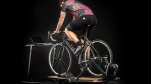 Saris M2 Smart HeimtrainerPerfekt für erste Gehversuche im virtuellen Indoorcycling? Der Saris M2 Smart Trainer senkt die Einstiegshürden zu Zwift & Co.