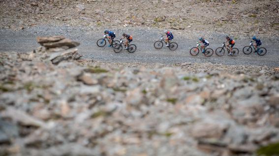Ischgl Ironbike 2021 - Marathon BildberichtNach 76,8 Kilometern und 3.700 Höhenmetern in einem der härtesten Mountainbike-Marathonrennen Europas fuhren Urs Huber bei den Herren und Ariane Lüthi bei den Damen aufs oberste Podest.