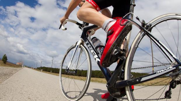 Trek Madone 5.9 2012Elektronisch schalten für alle! Treks Madone 5.9 auf dem Prüfstand + Preview: Trek Domane - Cancellaras neues Arbeitsgerät.