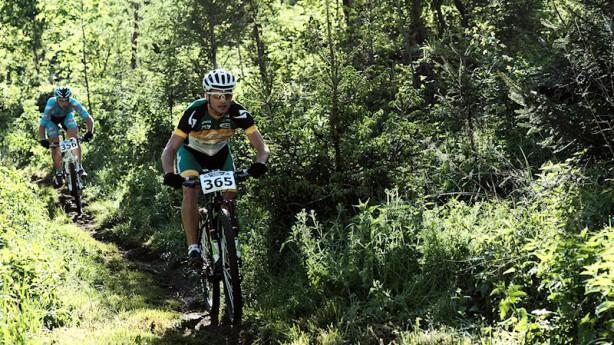 Bike Opening StatteggGehbauer zum Zweiten: Vorjahressieger Alex Gehbauer gewinnt auch beim Bike-Opening Graz 2012. Starke Junioren führen mit Doppelsieg den Nachwuchs an.