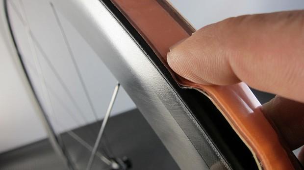 Tufo Extreme KlebebandDas doppelseitige Klebeband zur Schlauchreifen-Montage. Aufziehen, aufpumpen, ausrichten, fertig.