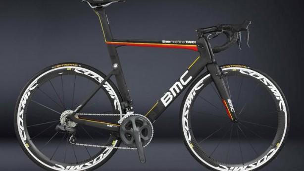 BMC Timemachine TMR01Temporausch garantiert: Der schweizer Aerorenner überzeugt mit eigenständiger Konstruktion, perfekter Aerodynamik und messerscharfer Präzision.