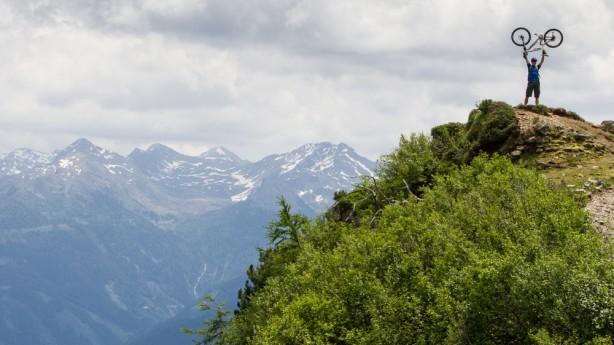 Bikeregion OsttirolAuf Weltmeisters Spuren: Wo die drei Gebirgszüge der Zentralalpen, Villgratner Berge und der Schobergruppe aufeinander treffen, kann das ideale Mountainbike-Revier nicht weit sein.