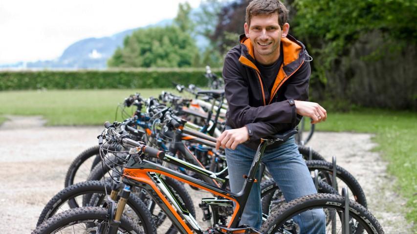 """KTM Neuheiten 201450 Jahre KTM: Die Mattighofner präsentieren ihre neuen 27,5"""" & 29er Modelle und tragen das gute alte 26"""" Mountainbike zu Grabe."""
