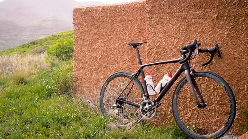 Mavic Cosmic Carbone 40CEin Langzeittest Mavics zuverlässiger Carbon-Laufräder für Drahtreifen mitsamt der Yksion Pro Pneus - inklusive finaler Materialschlacht auf den rauesten Straßen Gran Canarias.