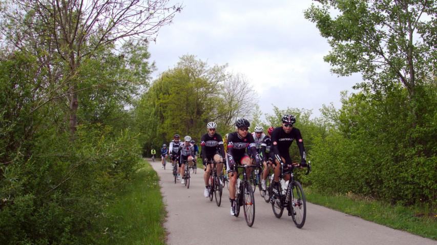 Bikepirat.at Wagramer Rennrad TourenEine Hausmesse als Rahmenprogramm für zwei Erstbefahrungen - so schön kann Radsport sein ..