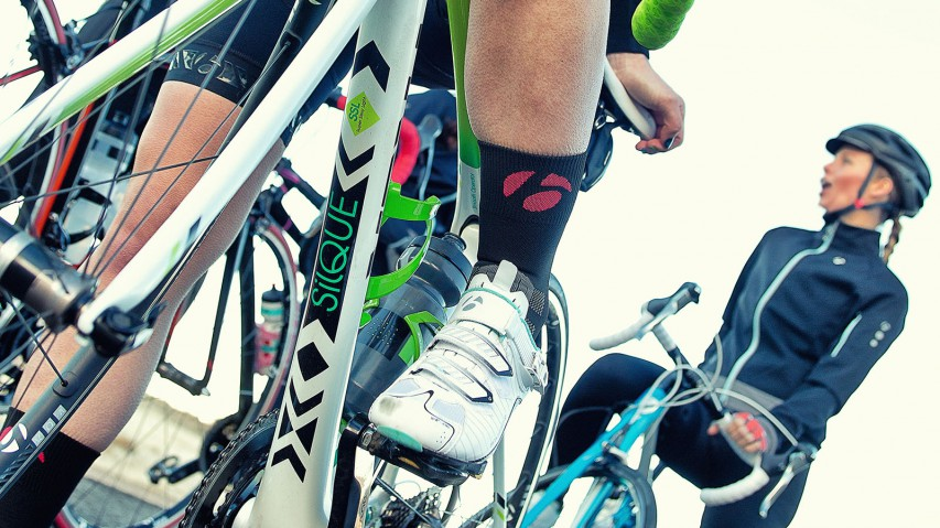 First Test: Trek Silque SLBikeboard.at hatte als erstes Radsportmagazin weltweit Gelegenheit, Treks neuen Komfortrenner für Frauen Probe zu fahren. Coooool!