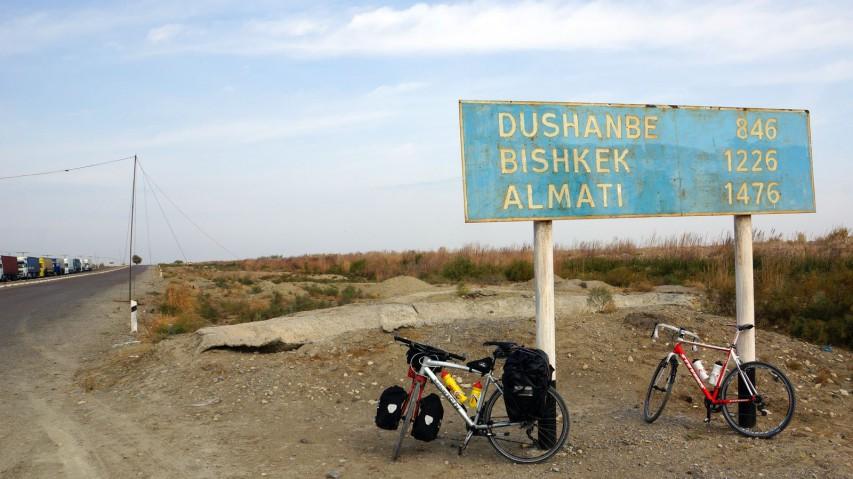Von Mensch zu Mensch - eine WeltreiseVor kurzem noch war Helmut Pucher Tourguide auf Mallorca. Nun reist er mit seinem Fahrrad um die Welt. On the Trail of Genghis Khan 2.0