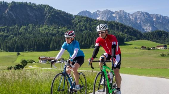 Rennradeln im Ferienland KufsteinRadfahren an der bayerisch-österreichischen Grenze, zwischen Kaiserblick und Festungsstadt, Bergriesen und Hügelland. Ein Lehrstück in Sachen Vielseitigkeit.