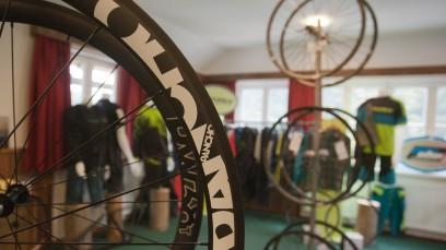 BIKE NEUHEITEN PART #2Impressionen von den beiden Messen Alm'a Mater und Best of Bike: Fox, Fuji, Giro, Lightweight, MyTinySun, Nakita, Panchowheels, Prologo, Siga, Tune, Vredestein