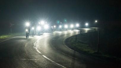 BIKEPIRAT.AT LUPINE NIGHTRIDEDunkel war's, das Licht schien helle ... Der niederösterreichische Fahrradspezialist lud Ende Oktober zu einem Testride für Lupine-Lampen.