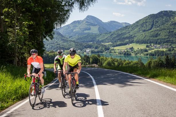 RENNRADREGION FUSCHLSEEWo am 13. September 2015 die neu geführte Strecke der Eddy Merckx Classic zum ersten Mal gestartet wird, muss es auch Potenzial für Rennradtouren geben. Hier nun ein kleiner Auszug aus den Touren rund um Fuschl am See.